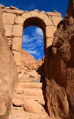 Muntele Sinai - Portal de Piatra