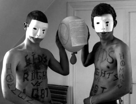 """""""Hommen"""" - replică profamilia a mișcării feministe extremiste """"Femen"""""""